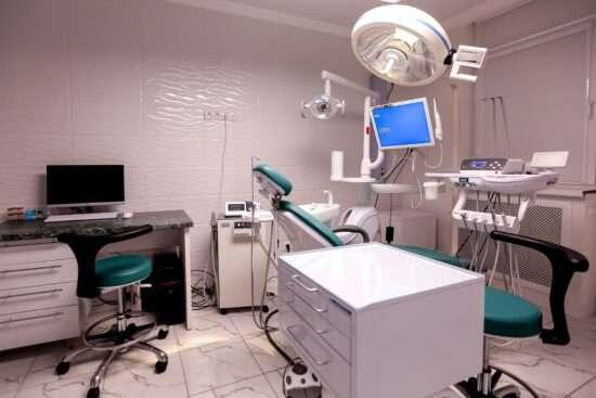 Стоматология МаксиДент на ул. Туркестанской